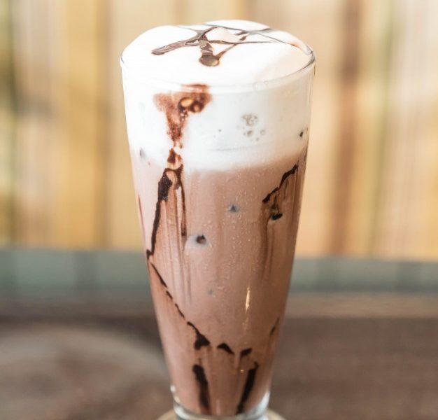 Milkshake chocolat et chantilly