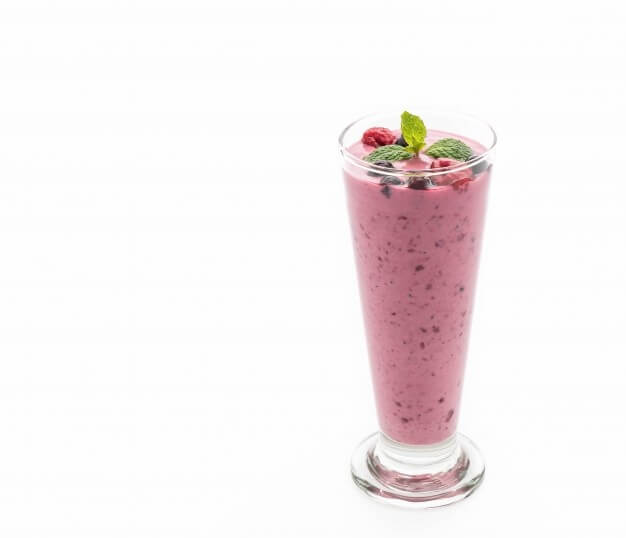 Smoothie fruits rouges et yaourt