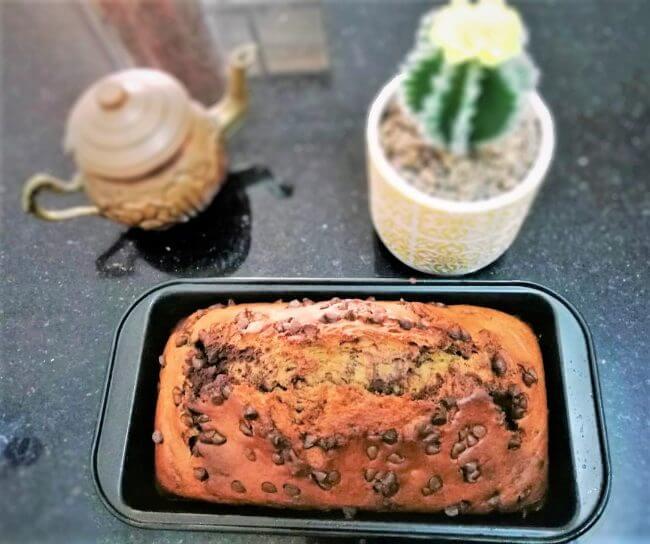 Cake marbré banane chocolat et pepites de chocolat